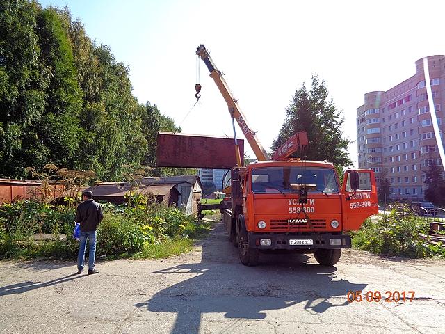 В Сыктывкаре демонтировали несколько незаконных гаражей