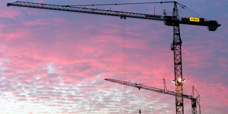 В Минстрое заметили 8%-ный рост объема ввода жилья с начала года .